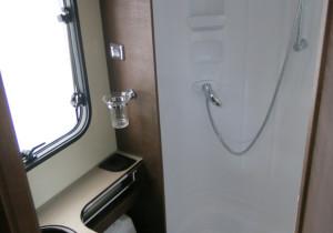mid Groß-Gerau - Einfach aber funktional: Der Waschraum bietet reichlich Ellbogenfreiheit.