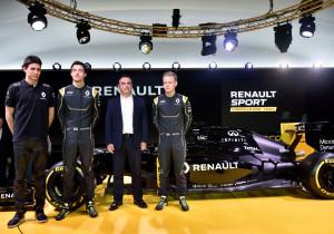 Renault macht sich startklar für die Formel 1, das Team steht bereits. Hier bei der Präsentation des Rennwagens v.l. Esteban Ocon, Jolyon Palmer, Renault-Chef Carlos Ghosnund Kevin Magnussen.