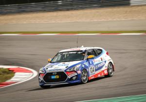 Seriennaher Motorsport: Autobauer Hyundai setzt beim 24-Stunden-Rennen auf dem Nürburgring auf die Schnelligkeit und die Zuverlässigkeit des i30 Turbo.