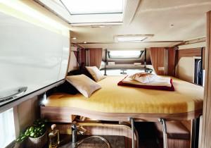 Hängepartie: Das Hubbett bietet optional zwei Schlafplätze.