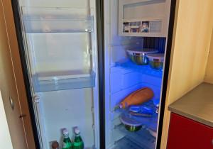 mid Herborn - Schlankes Türmchen: Der Kühlschrank Slip Line im Avanti H fasst 138 Liter, davon 10 Liter im Tiefkühler.