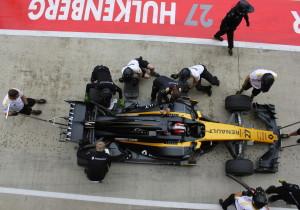 mid Cranfield/Silverstone - Jetzt muss es schnell gehen: Nico Hülkenberg an der Box.