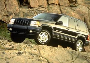 mid Groß-Gerau - Kräftige Motoren sowie drei Hydraulikpumpen und drei Sperrdifferenziale: Damit erklimmt der Grand Cherokee fast jeden Gipfel.