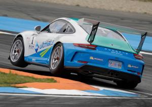 mid Groß-Gerau - Ein Bild mit Symbolcharakter: Meistens sehen die Rivalen im Porsche Carrera Cup nur das Heck des 485 PS starken 911 GT3 des Norwegers Dennis Olsen.