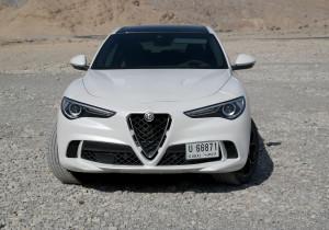 mid Dubai - Die Giulia lässt grüßen: Auch der Stelvio mit dem Kleeblatt ist sofort als aktueller Alfa zu erkennen.