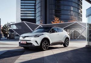 mid Groß-Gerau - Der fällt ganz schön aus der Rolle: Toyota hat mit dem neuen C-HR ein Design-Experiment auf die Räder gestellt.