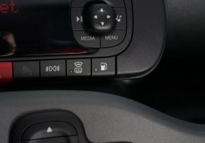 mid Frankfurt - Per Knopf in der Mittelkonsole lässt sich die Kraftstoff-Versorgung wechseln.